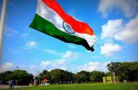 किसका झंडा सबसे ऊंचा: भारत-पाक के बीच झंडे की ऊंचाई को लेकर होड़
