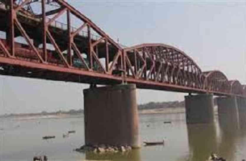 सवा सौ साल पुराना काशी का धरोहर मालवीय ब्रिज जर्जर