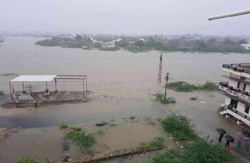 आपदा बीती, अब प्रबंधन की दरकार, बाढ़ प्रभावित इलाकों में राहत का इंतजार