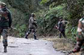 पुलवामा : मुठभेड़ में तीन आतंकी ढेर, एक नागरिक की मौत