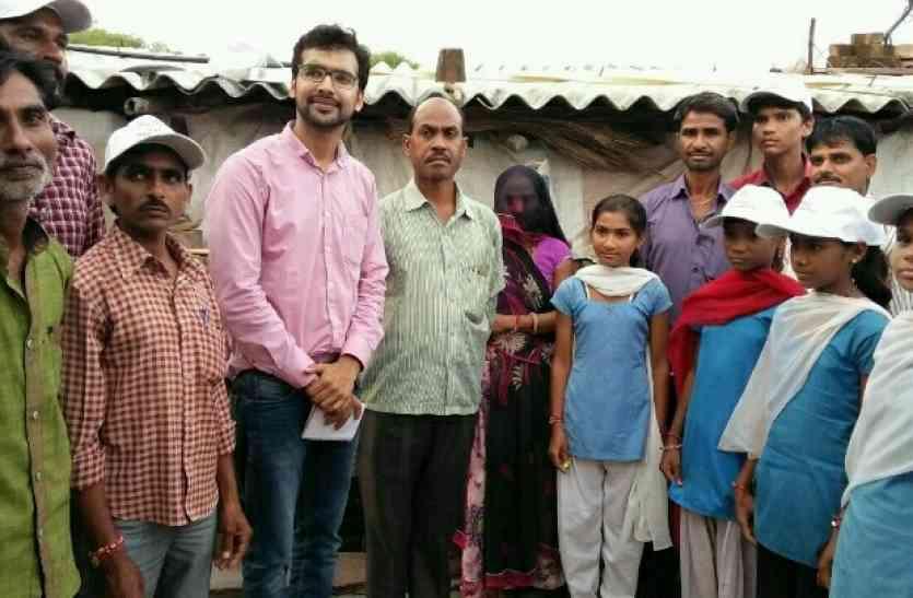 शौचालय बनवाने के लिए इस बेटी ने छेड़ी पिता से जंग, रैली निकाली तब माने पिता