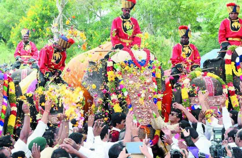 मैसूरु रवाना हुआ छह दशहरा हाथियों का पहला जत्था