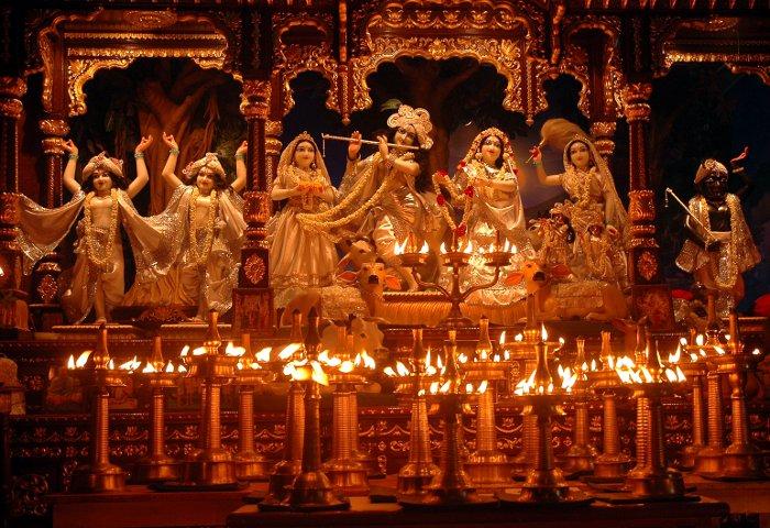 श्री कृष्ण के जादुई मन्त्रों का आज करें जाप पूरी होगी हर मनोकामना