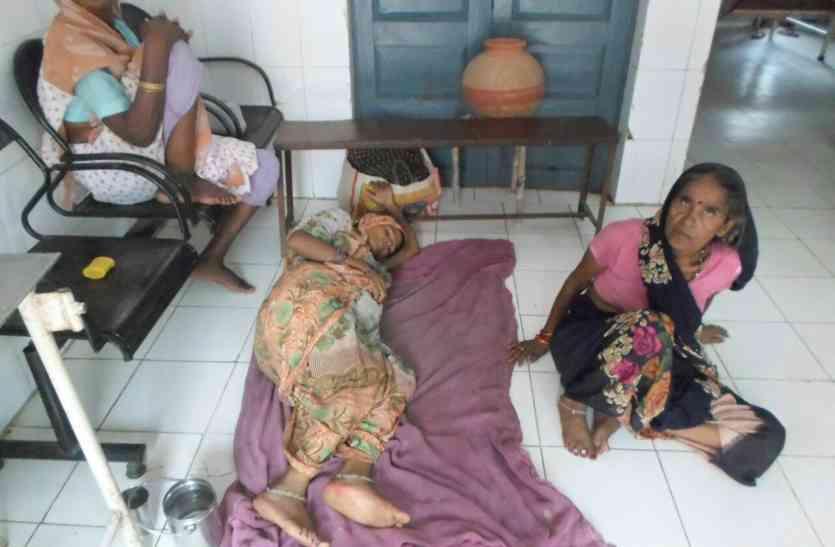 नहीं रुक रहा मौत का सिलसिला, बुखार से एक और मासूम की मौत, संख्या हुयी 17