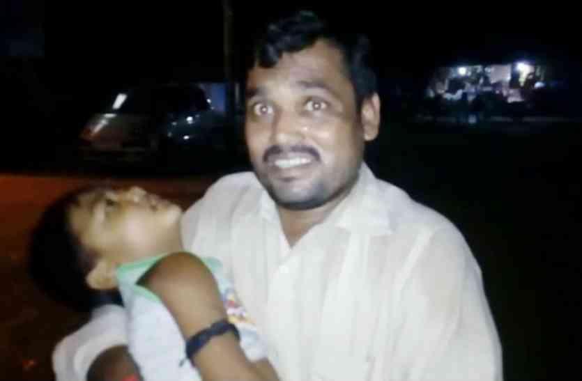 VIDEO: गोरखपुर के बाद भी नहीं चेता स्वास्थ्य विभाग, यहां रहस्यमय बीमारी से दम तोड़ रहे मासूम