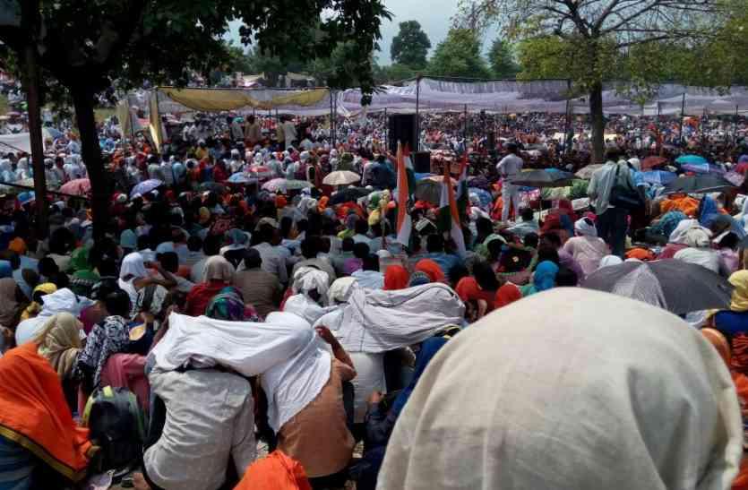 शिक्षामित्र अन्ना हजारे के साथ अब दिल्ली में बोलेंगे हल्ला