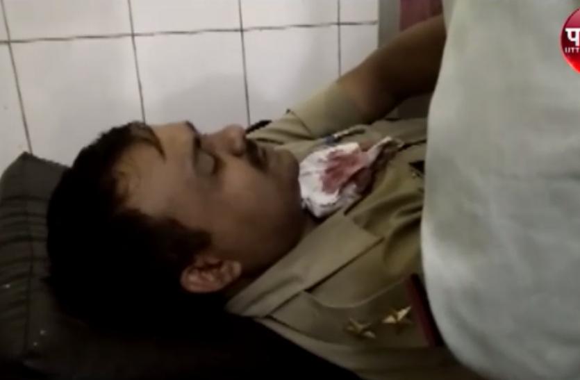 चेकिंग के दौरान पशु तस्करों ने दरोगा को मारी गोली, लखनऊ रेफर