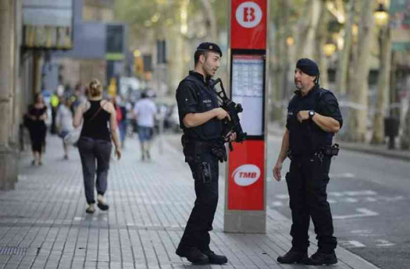 बार्सिलोना हमला : पुलिस ने मास्टरमाइंड समेत 8 आतंकियों कोमार गिराया