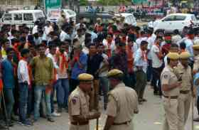छात्रसंघ चुनाव 2017: जोधपुर में नामांकन दाखिल करने पहुंच रहे प्रत्याशी