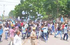 बज गई है चुनावी रणभेरी... नामांकन के दौरान जोधपुर में सिर चढ़ कर बोला इलेक्शन फीवर
