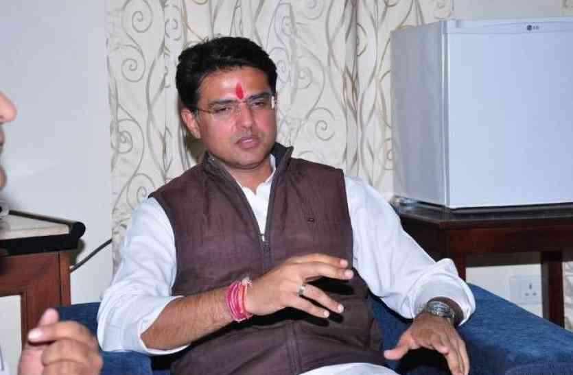 कांग्रेस का भाजपा पर आरोप, एमपी-कर्नाटक में घोषित किया चेहरा, प्रदेश में क्यों नहीं