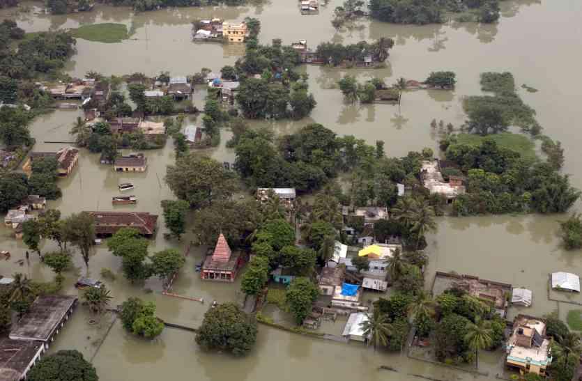 दक्षिण एशिया में बाढ़ का कहर, अब तक 1200 लोगों की मौत