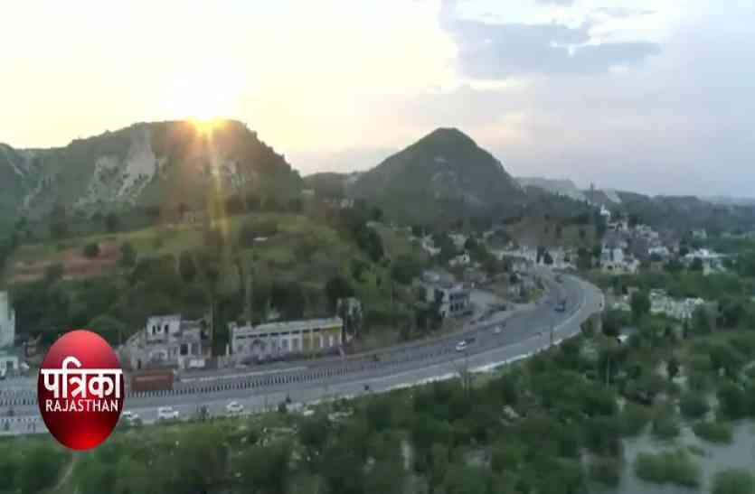 PM मोदी का उदयपुर दौरा: गडकरी ने दिखाई हैंगिंग ब्रिज की झांकी, तो लोगों ने खोल दी असलियत की पोल- देखें वीडियो
