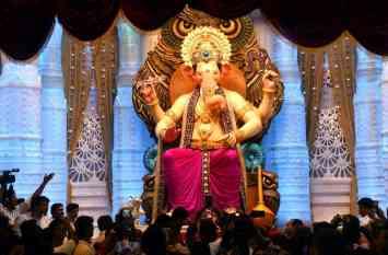 जानें, भगवान श्री गणेश के सूंड का महत्व, किस तरफ होनी चाहिए दाईं या बाईं सूंड