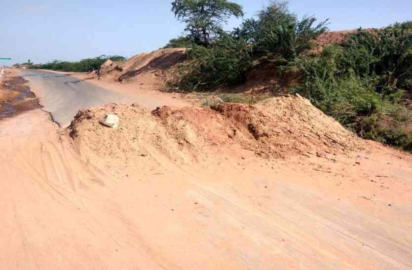 Video Jaisalmer- सुविधा, जो अब बनी हुई है दुविधा, अस्थायी गति अवरोधक बने दुर्घटना का सबब