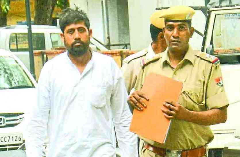Video : राजस्थान के इस पार्षद को एक मामले में जमानत मिलने के बाद फिर किया गिरफ्तार