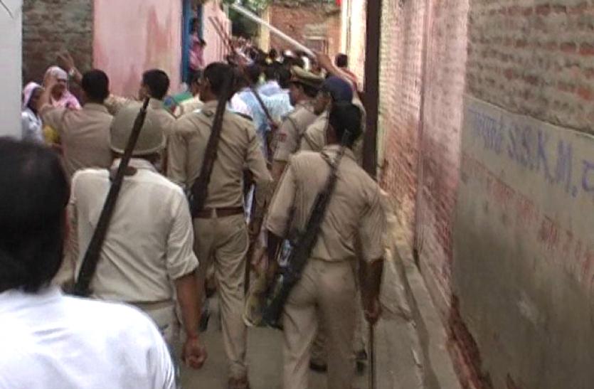 मुजफ्फरनगर में दंगों की बरसी पर युवती से छेड़छाड़ के बाद हुआ बवाल, कई घायल