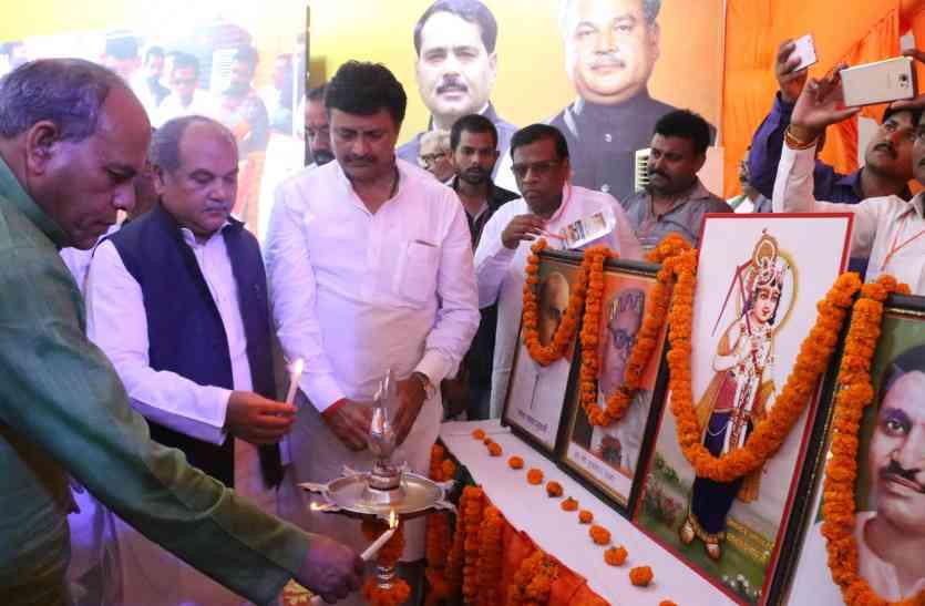 गरीबों व किसानों के लिए समर्पित है केंद्र सरकार: नरेंद्र सिंह तोमर