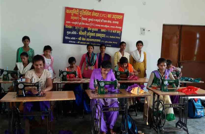 सीएम योगी से नक्सल प्रभावित क्षेत्र की लड़कियों की गुहार