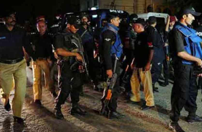 कराची में 53 संदिग्ध आतंकवादी गिरफ्तार