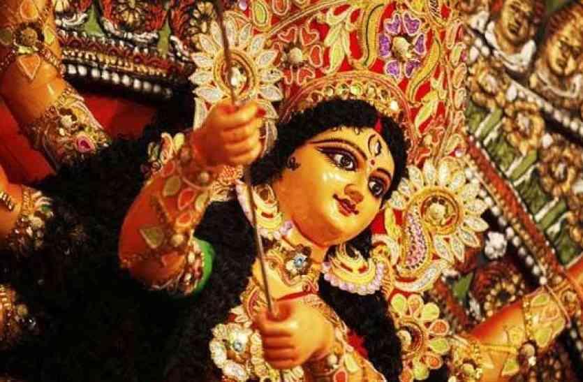 इन देवी गीतों को सुनकर अच्छे अच्छे भक्ति में मगन हो जाते हैं, आप भी सुनें
