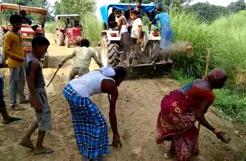 जब बीजेपी विधायक ने नहीं सुनी बात तो फैजाबाद में ग्रामीणों ने खुद बना दी तीन किलोमीटर लम्बी सड़क