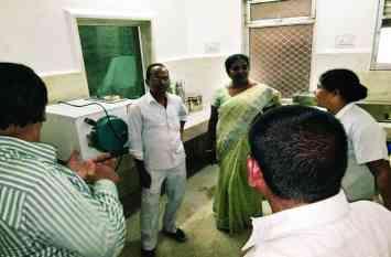 कायाकल्प का ऐसा हाल, टीम को जिला अस्पताल में मिली खामियां, नर्स थीं नदारद