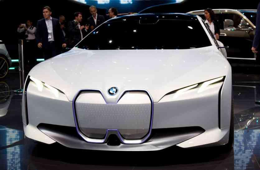 फ्रेंकफर्ट मोटर शो में BMW ने पेश की इलेक्ट्रिफाइड सेडान, टेस्ला के इस मॉडल का देगी टक्कर