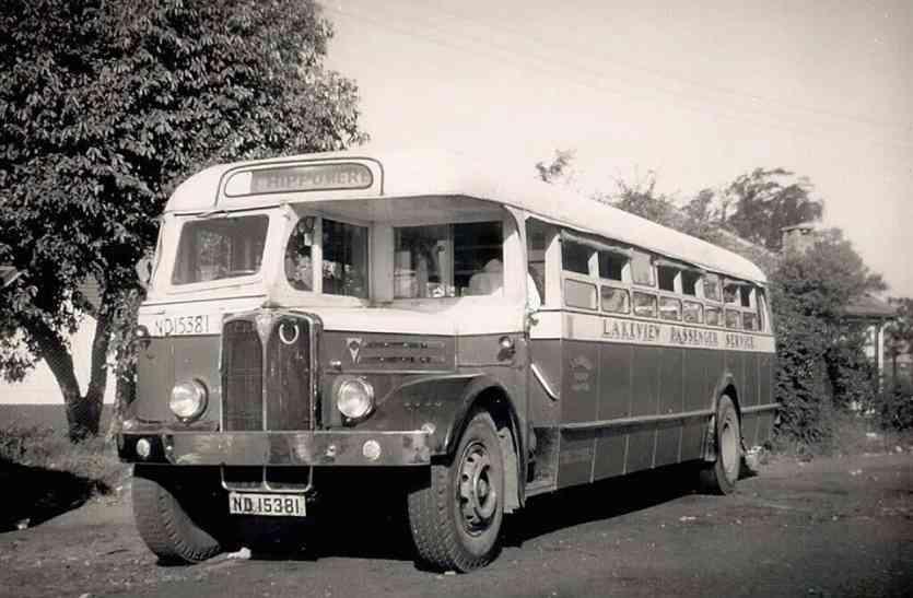 कबाड़ में खड़ी थी खटारा बस, 60 साल बाद खोल कर देखा गया तो अंदर जो मिला उस पर आप यकीन नहीं कर पाएंगे!