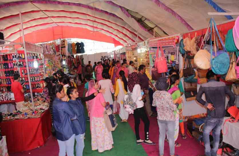 राजस्थान पत्रिका के जोधपुर फेस्टिवल में खरीदारी के प्रति उत्साह, मेले में भर रहे लोग खुशियों से थैले..