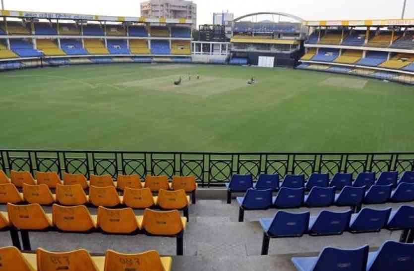 9 हजार लोगों को मुफ्त चाहिए भारत-आस्ट्रेलिया मैच के टिकट