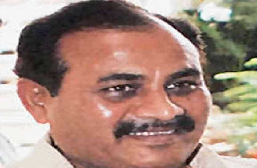 वन मंत्री दारा सिंह चौहान के काफिले में शामिल स्कार्ट वाहन से कुचलकर युवक की मौत