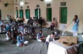 काशी के स्कूली बच्चों ने कुछ इस तरह मनाया PM मोदी का जन्मदिन