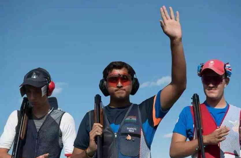 15 वर्षीय डबल ट्रैप शूटर शपथ भारद्वाज ने सीनियर वर्ल्ड कप फाइनल के लिये किया क्वालीफाई