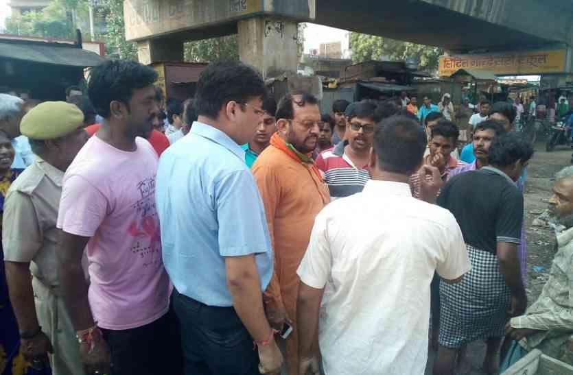 मंत्री सुरेश खन्ना ने सफाई व्यवस्था पर जतायी नाराजगी, अधिकारियों को दी चेतावनी