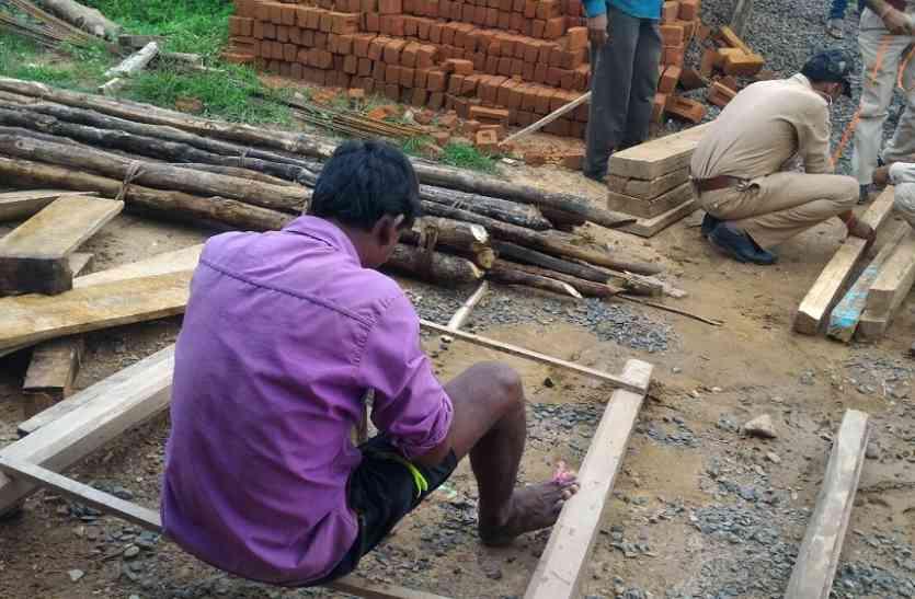 अवैध रुप से घर में रखी चिरान जब्त, वन विभाग ने की कार्रवाई
