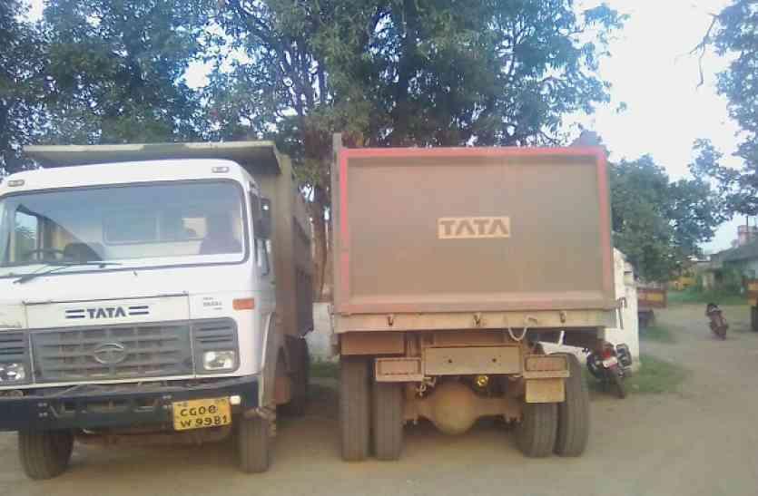 अवैध गौण खनिज परिवहन करते दो डम्पर वाहन जब्त