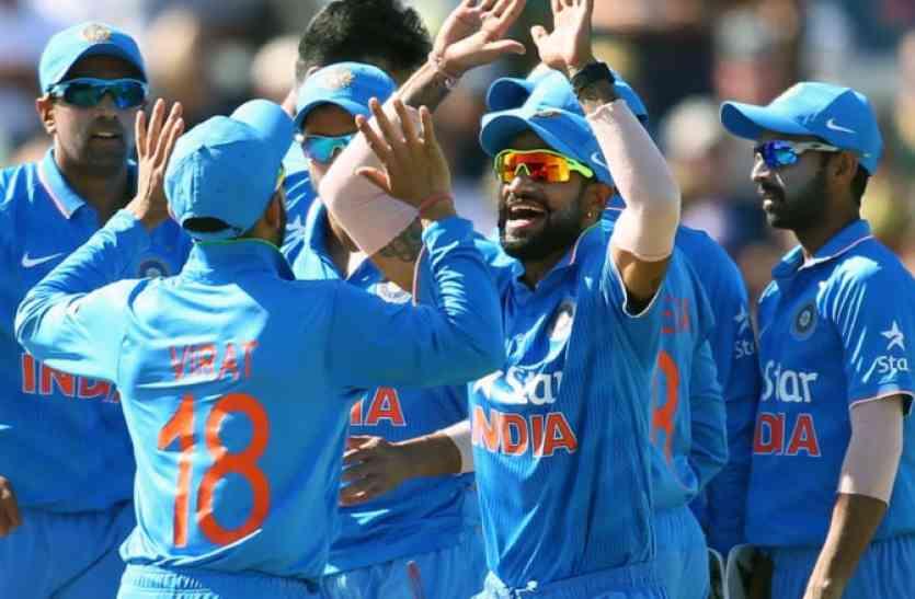 INDvsAUS: भारत ने पहले वन-डे में ऑस्ट्रेलिया को 26 रन से हराया