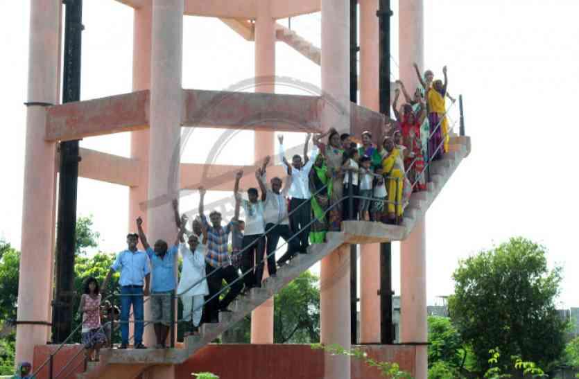 जयपुर में पानी का खेल : बिल्डर ने निजी टंकी बना दिए कनेक्शन, की मनमानी वसूली, विरोध होने पर बंद कर दिया घरों का पानी