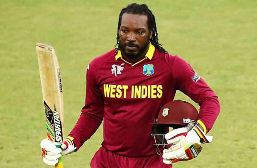 वेस्टइंडीज ने इंग्लैंड को 21 रन से धोया