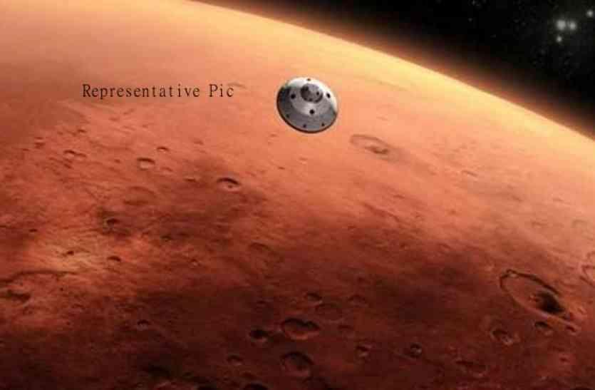 NASA वैज्ञानिक मंगल के कृत्रिम वातावरण से बाहर आए