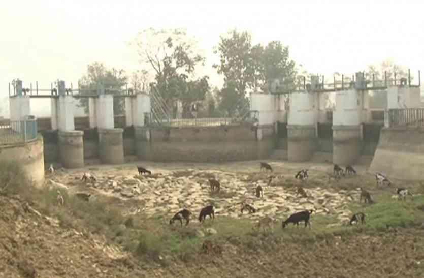पीएम मोदी ने सरदार सरोवर बांध का किया उद्घाटन, लेकिन 8 हजार करोड़ खर्च के बावजूद दम तोड़ रही यूपी की यह परियोजना