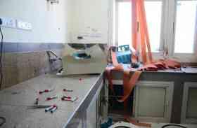 एसएमएस हॉस्पिटल में जांच के दौरान धमाका, वार्डों से निकल कर भागे मरीज, चार लैबकर्मी घायल