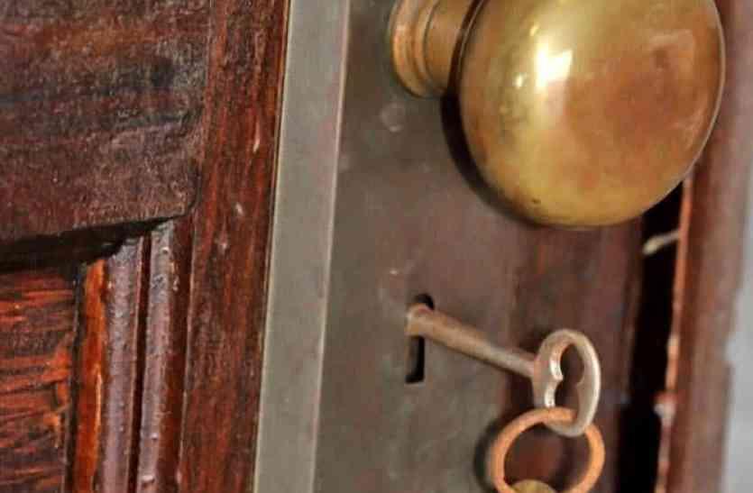 70 सालों से बंद पड़ा था घर, अब जब खोला गया दरवाजा तो खुली रह गईं परिवार की आँखें!