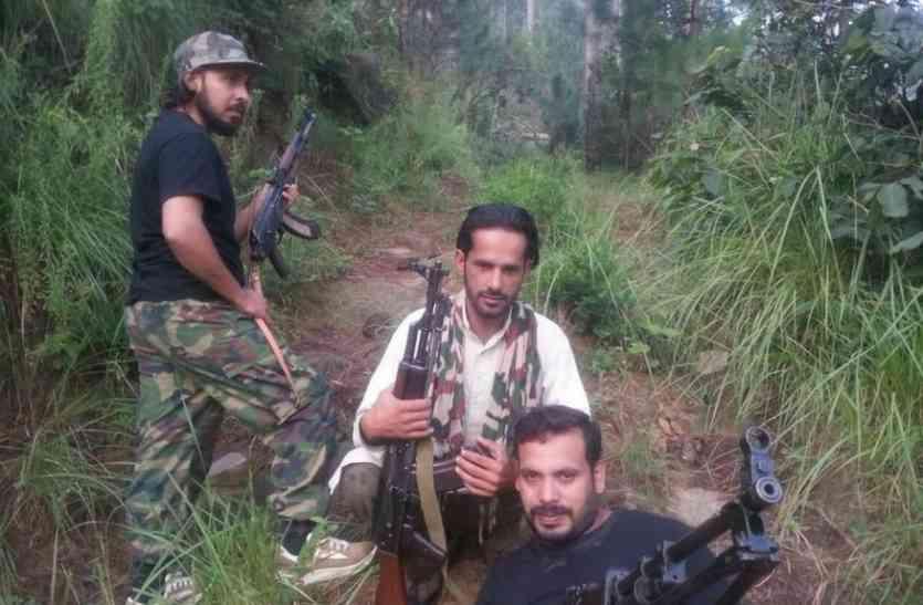 कश्मीर घाटी में सुरक्षाबलों के लिए चुनौतियां बढ़ी, खतरनाक हथियारों के साथ घूम रहे आतंकी