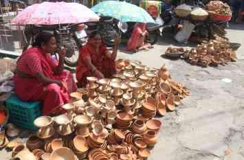 उदयपुर में सज गए माता के मंदिर और गरबा पांडाल, डांडियों की रहेगी धूम