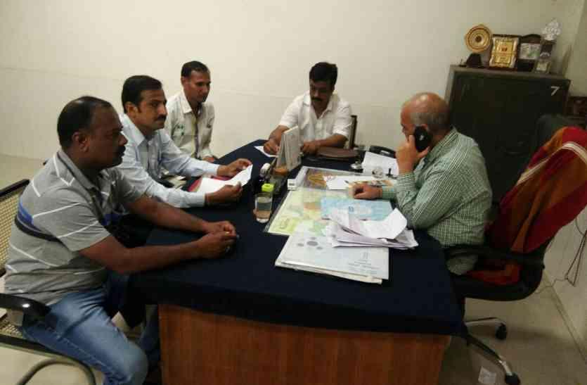 Jaisalmer- शिक्षकों को पूरा वेतन नहीं देने पर जिला शिक्षा अधिकारी प्राथमिक को नोटिस