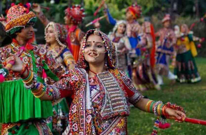 नवरात्रि विशेष: तो इसलिए गरबा खेल माता की होती है अराधना, कुछ ऐसे हुई थी इसकी शुरुआत