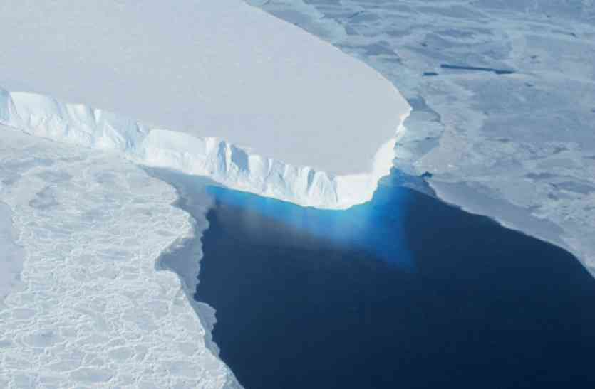 ग्लोबल वार्मिंग से टूट रही है अंटार्कटिका में बर्फ की चादर