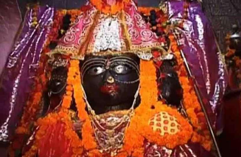 चैत्र नवरात्र से पहले देवी मंदिर में मिली UAE की करेंसी, सोने-चांदी का लगा ढेर